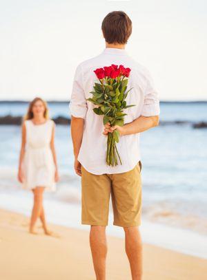Når en mand er tiltrukket til en kvinde - Sexolog - Polaritet skaber stærk fysisk tiltrækning