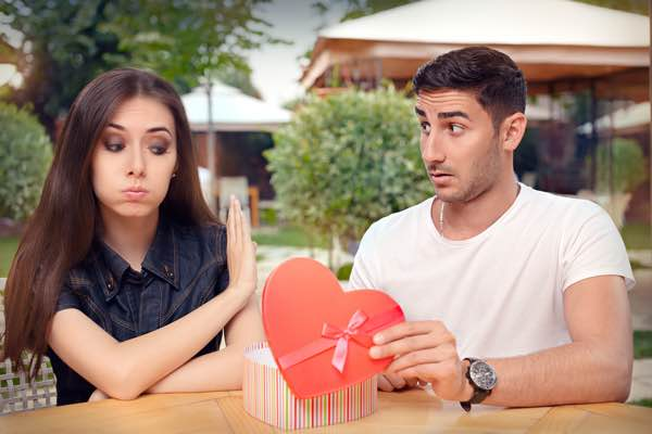 Tegn på hun ikke er interesseret - Tegn på at kærligheden er væk - Tegn på hun ikke elsker dig mere