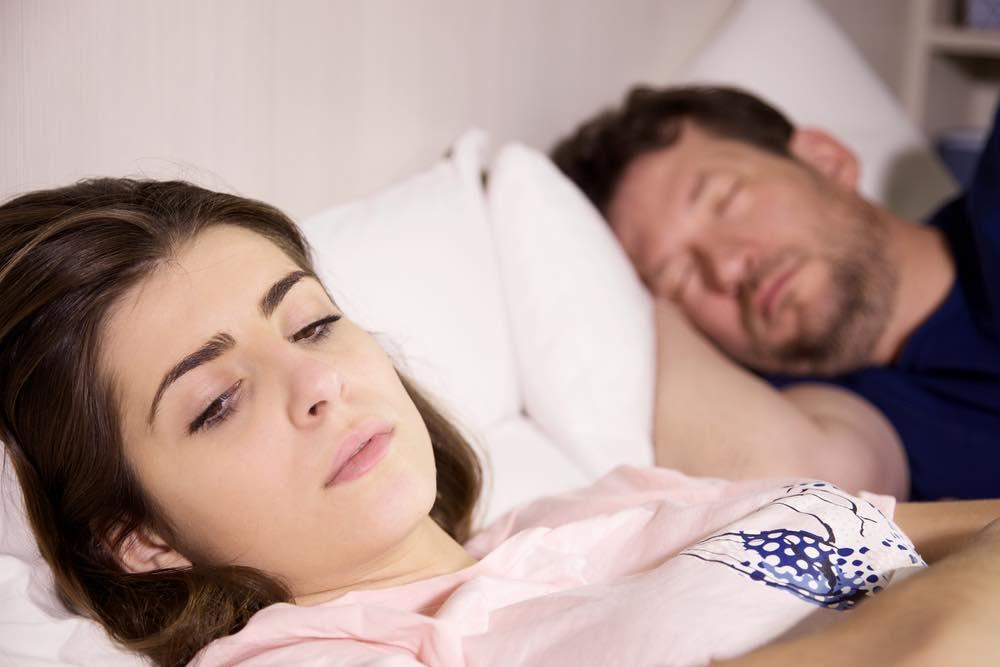 """Seksuelt frustreret kvinde: """"Hvordan får jeg min mand med i parterapi?"""""""